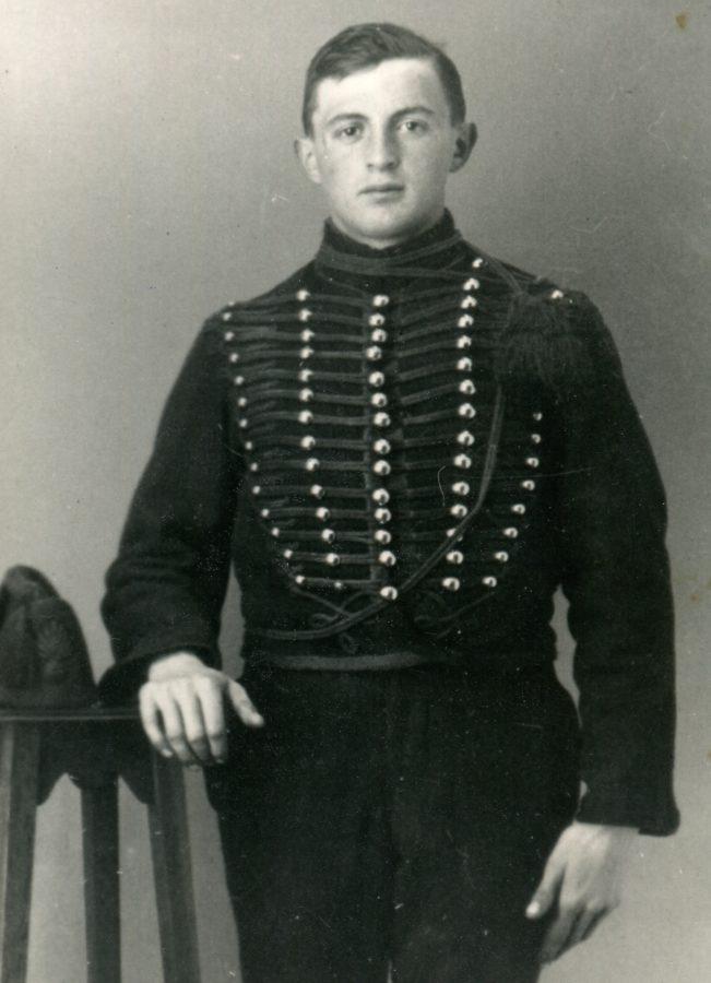 Anton-hommerson-als-parkwachter